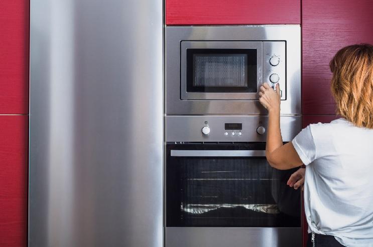 ניקיון תנור במטבח
